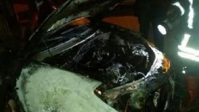 Siverek'te Öğretmenin Otomobili Kundanlandı