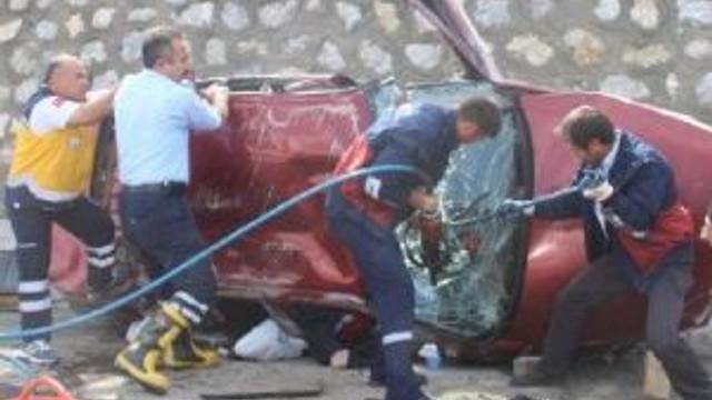 Otomobil Takla Attı: 1 Ölü,2 Yaralı
