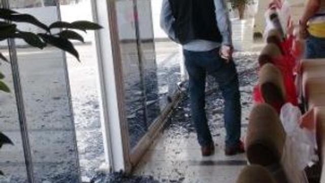 Kilis'te Otelin Terasında Korkutan Patlama