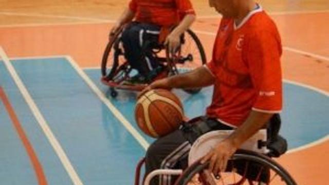 Kardemir Karabükspor Bedensel Engelli Basketbol Takımı Galatasaray'a Mağlup Oldu