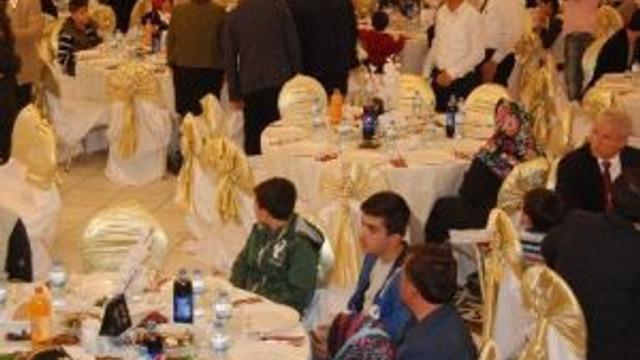 Kahramanmaraş'ta Gazi Ve Şehit Aileleri Onuruna Yemek