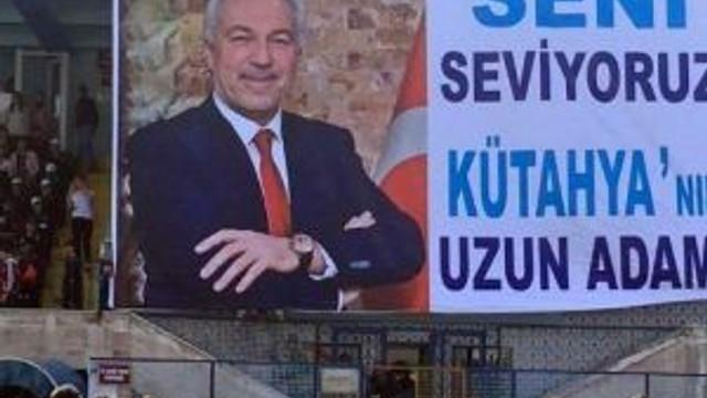 Taraftarlardan Başkan Kamil Saraçoğlu'na: Seni Seviyoruz Kütahya'nın Uzun Adamı