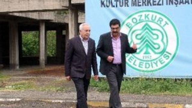 Eski Bakan Başesgioğlu, Bozkurt'u Ziyaret Etti