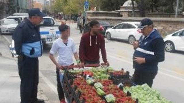 İzmit'te Zabıta Seyyarı Affetmiyor
