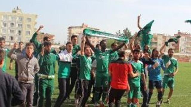 Erhan Koç'un Çalıştırdığı 12 Bingölspor Şampiyon Oldu