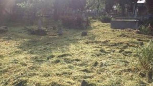 Köşk Belediyesi Mezarlık Temizlik Ve Bakım Çalışmalarınadevam Ediyor