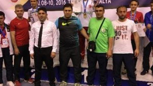 Meramlı Kick Boksçulardan 4 Altın Madalya