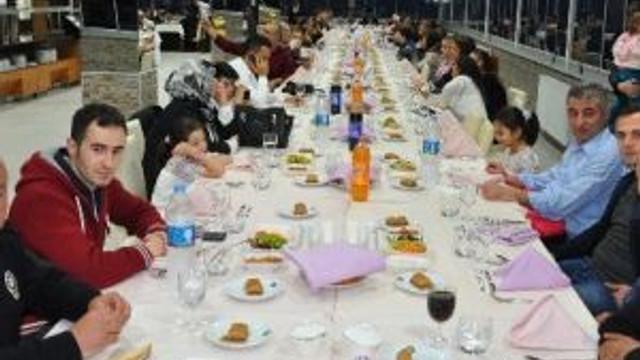 Çaybaşı Kaymakamı'ndan Polis Ve Aileleri Onuruna Yemek