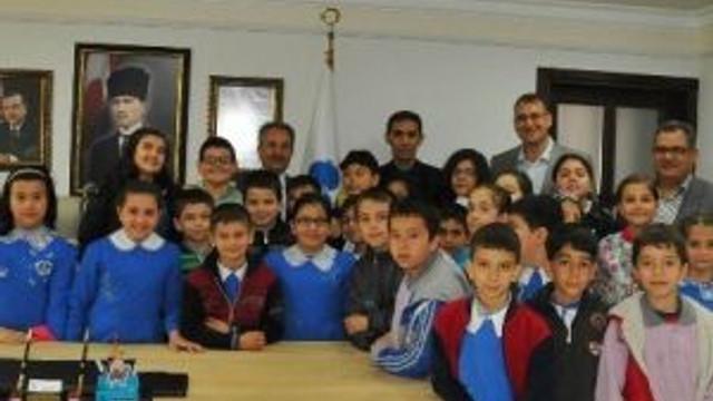 Başkan Akkaya Öğrencilerle Ders İşledi
