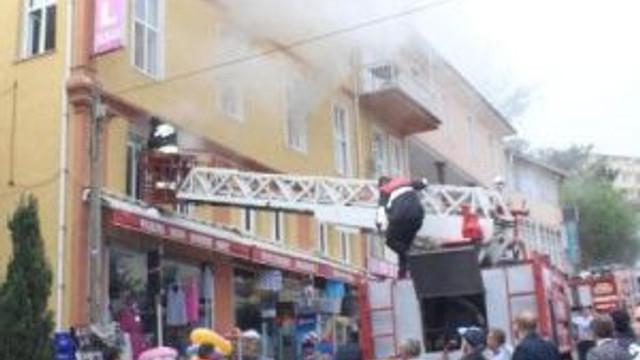 Samsun'da Otel Yangını: 2 Müşteri Dumandan Etkilendi
