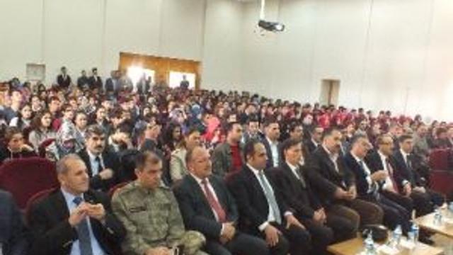 Osmaniye Valisi Malazgirtli Öğrencilerin Sorularını Cevapladı