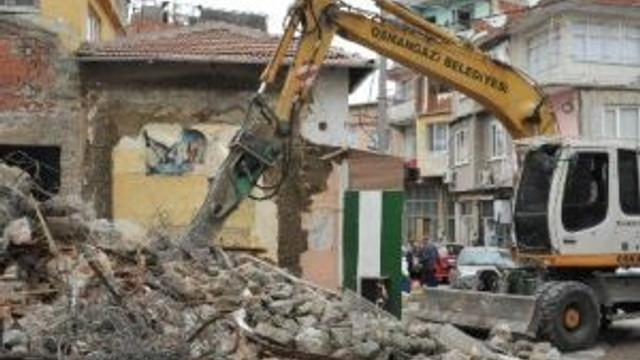 Osmangazi'de Caddeler Genişliyor