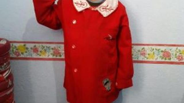 Kaybolan 6 Yaşındaki Oğlunun Kıyafetlerini Koklayıp Avunuyor