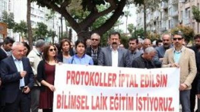 Mersin'de Okullarda Dini İçerikli Projelerin Durdurulması İçin İmza Kampanyası