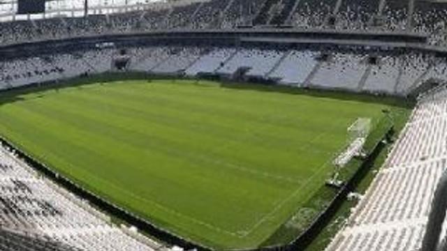 İzmir'de Vodafone Arena Kıskançlığı