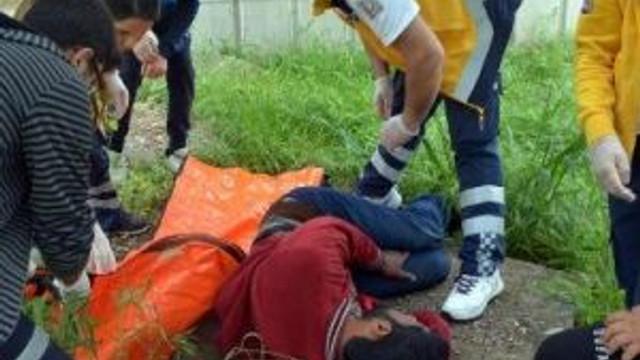 'Açım' Diyen Seyyar Satıcı Hastaneye Götürüldü
