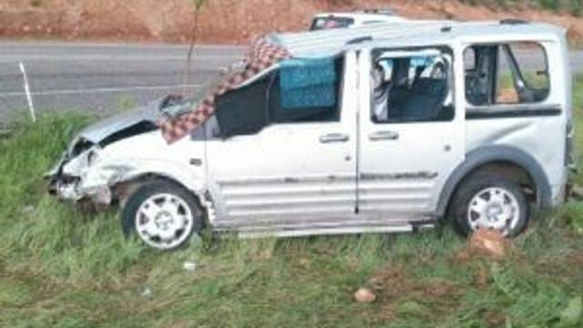 Hafif Ticari Araç Takla Attı
