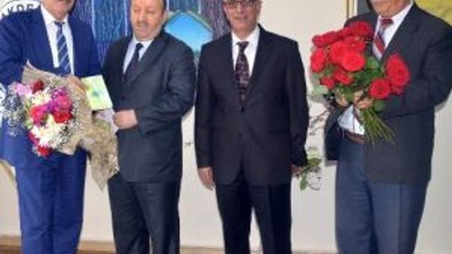 Eş Başkan Türk'e İlçe Müftüsünden Ziyaret