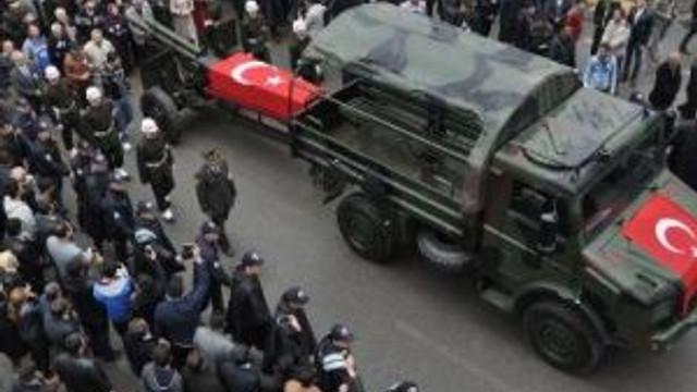 Şehit Astsubay Gençleşen'in Cenazesi Sivas'a Getirildi (2)