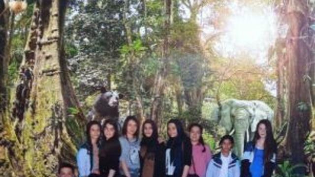 Beyaz Kalpler Öğrenciler Darıca Hayvanat Bahçesi'ni Gezdi