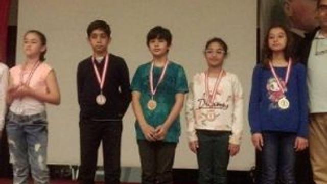 Ayvalık 23 Nisan Satranç Turnuvası Sonuçlandı