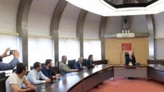 Kılıçdaroğlu, Bursa'da İşten Çıkartılan İşçilerle Bir Araya Geldi