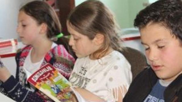 Öğrencilere 'Kitap Okuma Alışkanlığı' Aşılanıyor