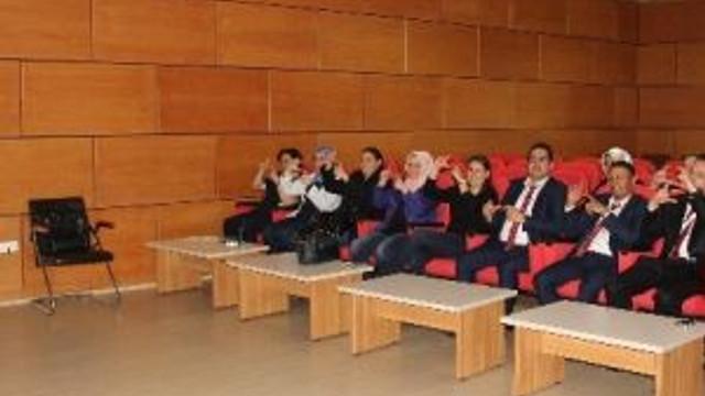 Hastanelerde Görev Yapan Personellere İşaret Dili Eğitimi Verilmeye Başlandı