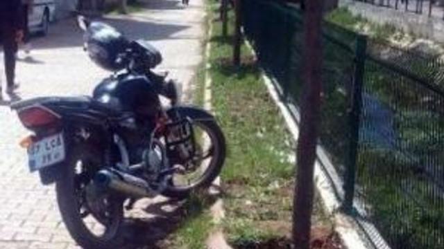 Gölbaşı'nda Motosiklet Takla Attı