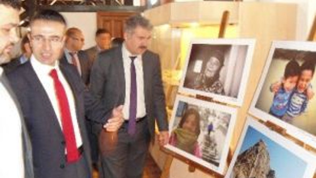 """""""Kadın Gözüyle Afyonkarahisar"""" Projesinin Resim Sergisi Bolvadin'de Açıldı"""