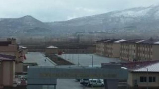 Cezaevinin çatısı uçtu: 81 yaralı