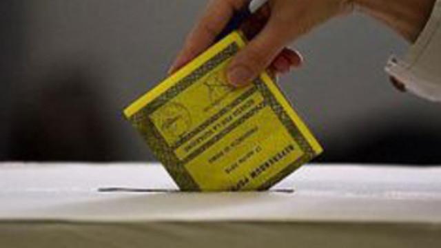 İtalya'da katılımdan dolayı referandum geçersiz sayılacak !