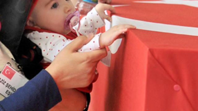 4 aylık kızından şehit babaya son görev !