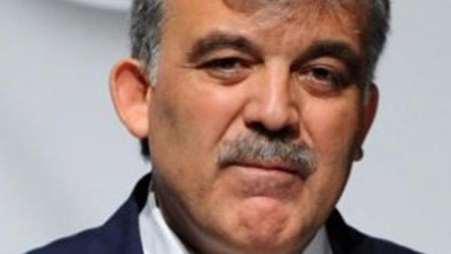 Abdullah Gül: ''Alnıma silah dayadılar''