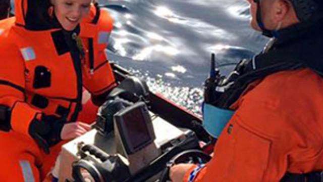 Norveçli Bakan denizde kurtarılmayı bekledi !