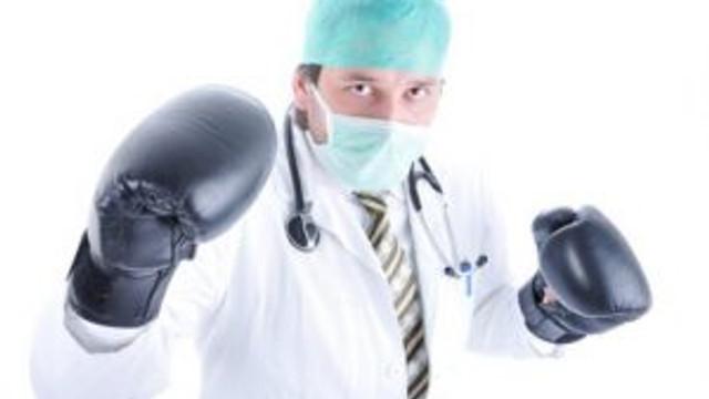 Sürekli şiddet gören hekimler aman dikkat !