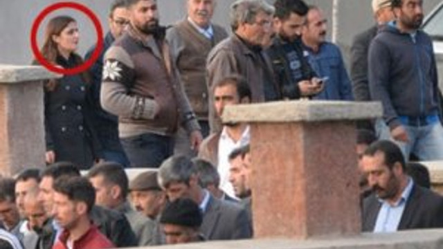 HDP'li vekil terörist cenazesinde !