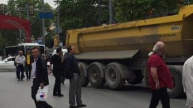 Bağdat Caddesi'nde kamyon dehşeti