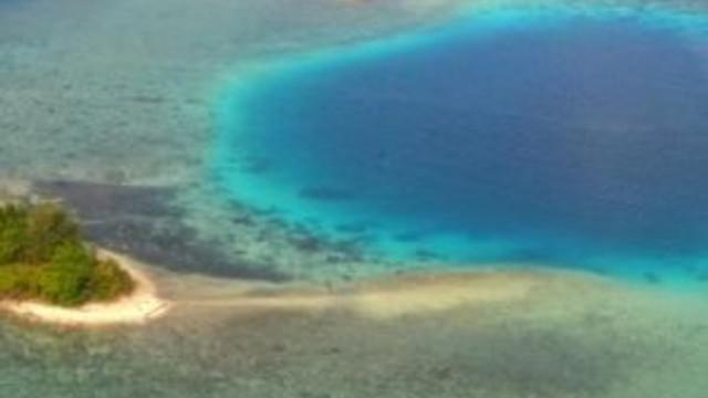 Büyük Okyanus'ta 5 adayı deniz yuttu