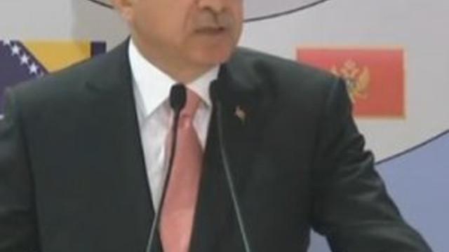 Erdoğan resti çekti: ''Hiç kimse Türkiye gibi yapmıyor''