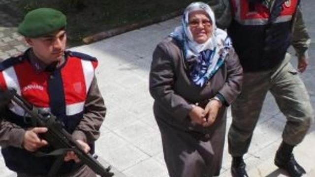 Eşini öldüren kadın: Hep erkekler mi öldürecek