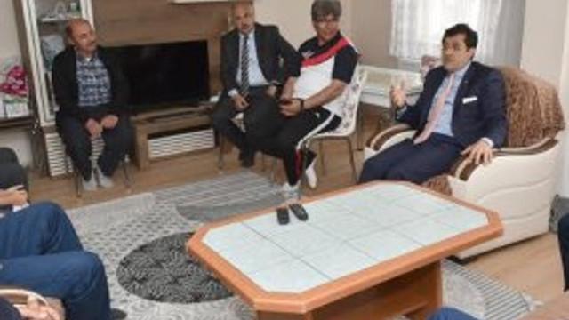 Başkan Hazinedar Somalı madencileri unutmadı