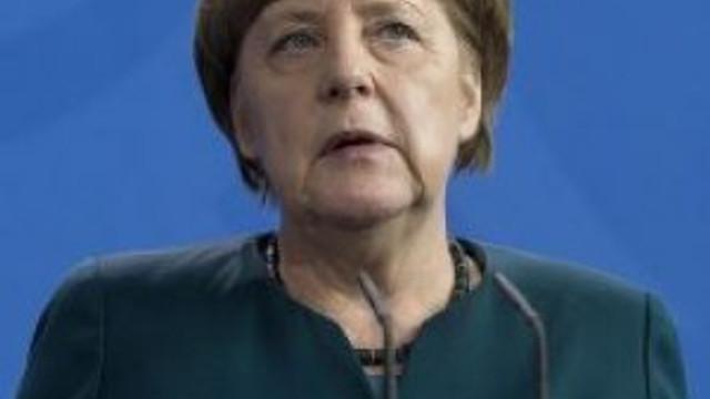 Merkel'e büyük şok ! Domuz kafası bulundu
