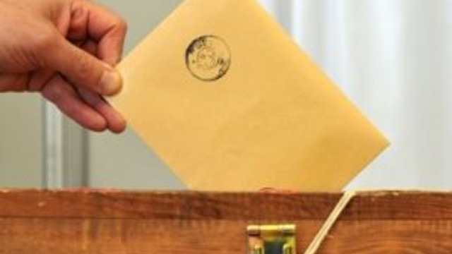 Dört Anayasa ile referanduma gidilecek !