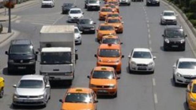 Yüzlerce taksiciden Binali Yıldırım konvoyu !