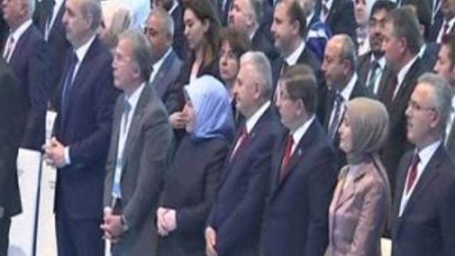 Erdoğan'ın mesajını ayakta dinlediler