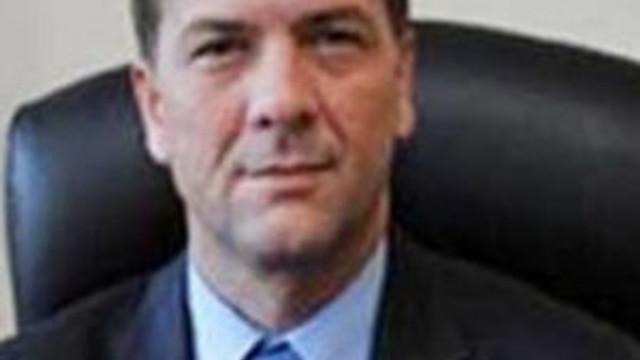 Başına ateş eden vali yardımcısı hastanede öldü