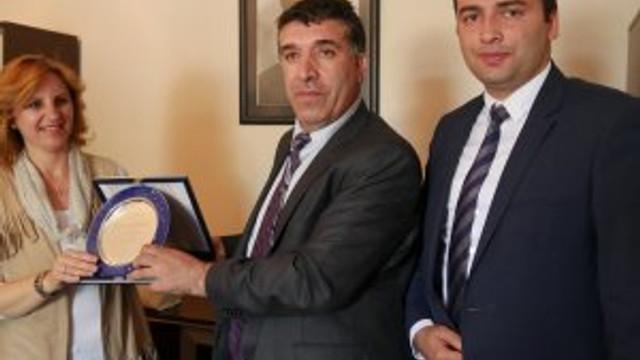 Makedonyalı öğrencilerden anlamlı ziyaret