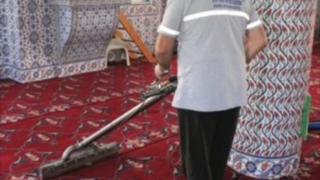 Camiler Ramazan'a hazırlanıyor