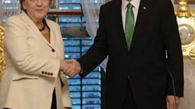 Erdoğan'dan Merkel'e telefon